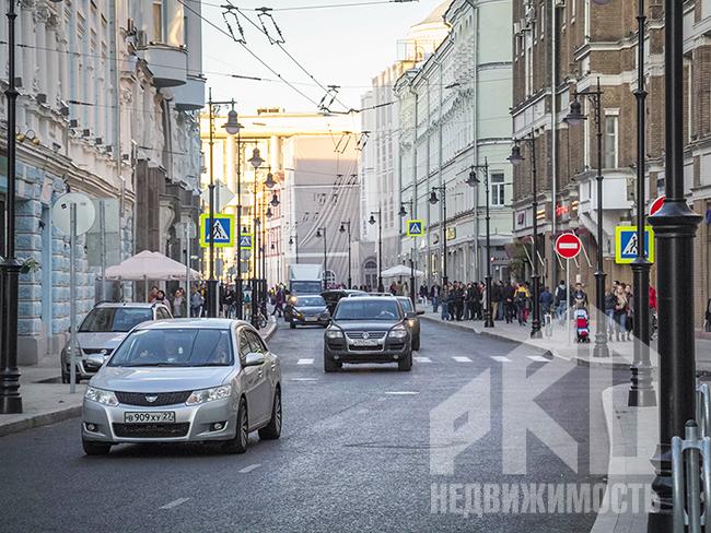 Средние цены на аренду элитного жилья в Москве снизились