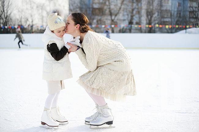 18 ноября в парках Москвы заработали 8 катков с искусственным льдом