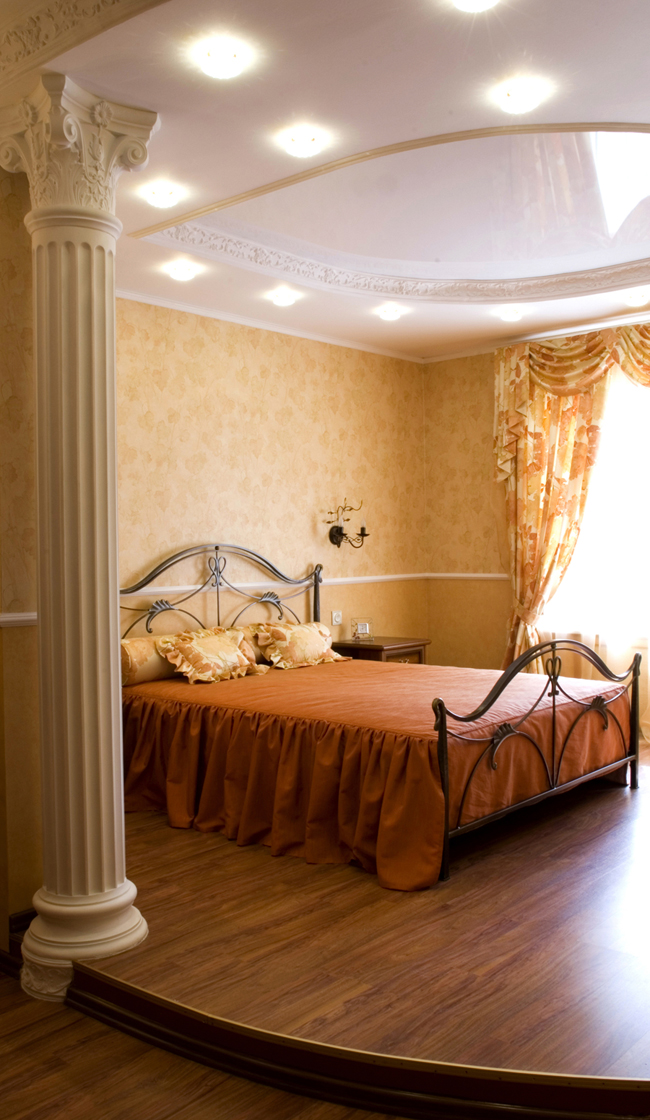 Интерьер комнаты с нишей фото