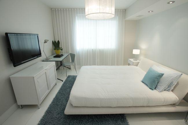 Телевизор в спальне фото