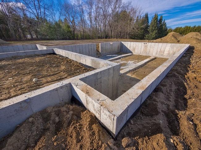 Ленточные фундаменты широко распространены в индивидуальном строительстве